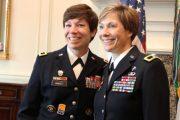 ইতিহাস গড়ে মার্কিন সেনাবাহিনীর জেনারেল পদে দুই বোন