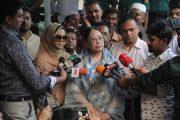 পরিবারের সদস্যরা খালেদা জিয়ার সঙ্গে বিএসএমএমইউ'তে সাক্ষাৎ করেছেন