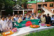 জাতির পিতার সমাধিতে বাংলাদেশ সম্পাদক ফোরামের শ্রদ্ধাঞ্জলি